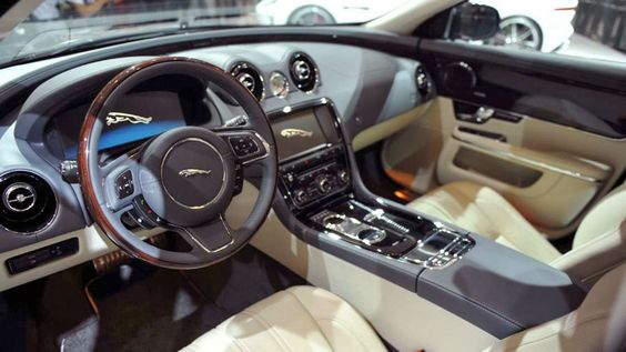 2015 Jaguar XJ Interior