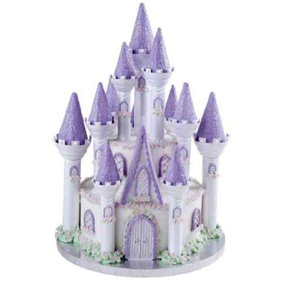 Le gâteau danniversaire château de la belle au bois dormant , wilton