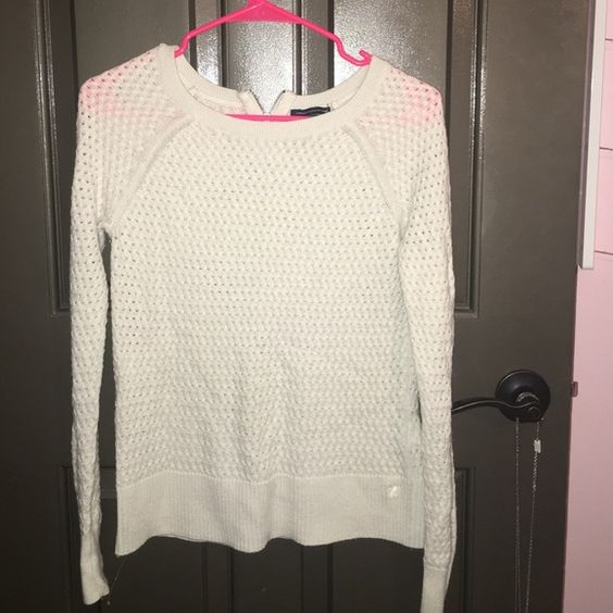 American Eagle Sweater White American Eagle sweater. Gently used and in great condition! American Eagle Outfitters Sweaters Crew & Scoop Necks