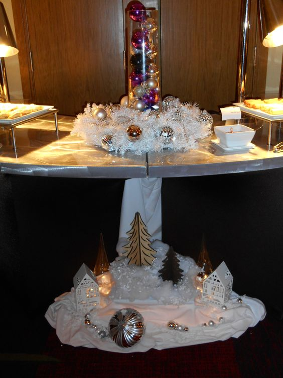 A festive touch to a holiday party 2013  #RenSouthPark #RenHotels