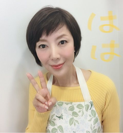 ショートカットの戸田恵子