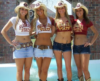 Imagem de http://1.bp.blogspot.com/-k4qvPlb0zmk/Uq92XECjPrI/AAAAAAAARKw/CpEYmLQE_9M/s400/florida+State+4+sexy+cowgirls_2010_12.jpg.