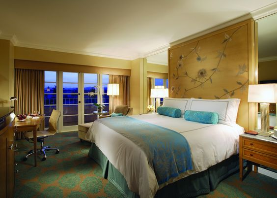 Four Seasons Hotel Redesign Capturing the Glamor of 1940s Hollywood