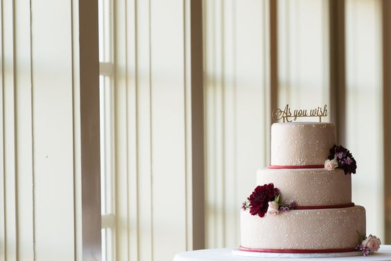 Start your week off with something sweet #weddingcake #details Photo Credit: Rob Korb Photography