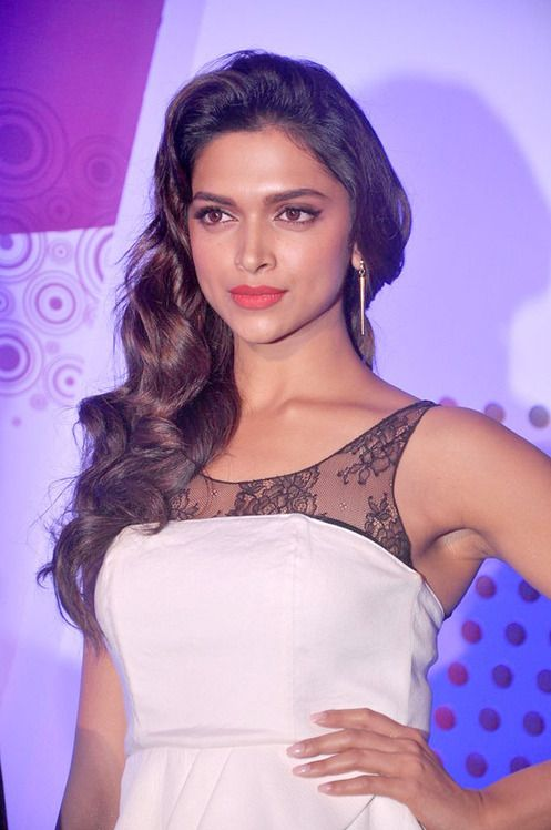 Deepika Padukone Biography:-Check here | Getwaypages