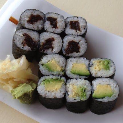 shiso japanese restaurant : kampyo maki + avocado maki.