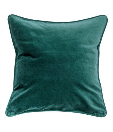 Cushion cover in cotton velvet with piping at edges. Concealed zip.: