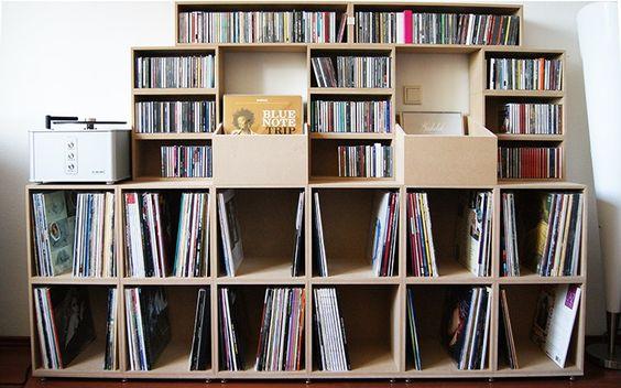 Regal für Schallplatten und CDs