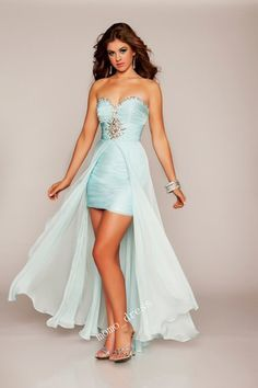 This is a cute alternative to the bottom of the dress instead of the split or short in front long in back.  But of course the dress would have to be a little bit longer, I'm a older lady now! Hee hee!