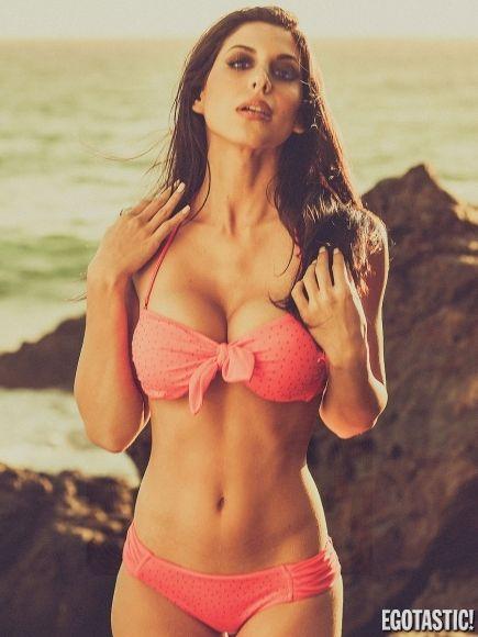 diana falzone malibu beach 08 435x580 sexy pinterest