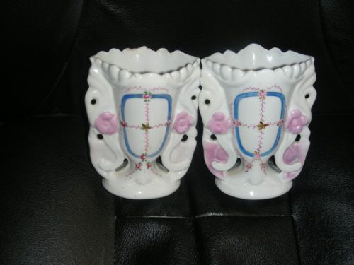 Vintage-1840-Ceramic-Porcelain-Mini-Pair-Vases-White-with-Pink-Roses