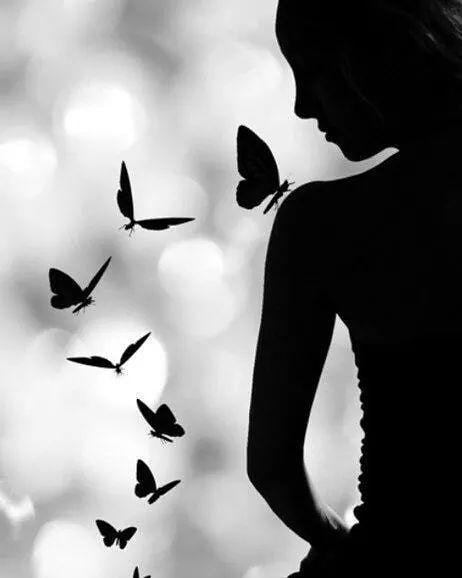 """""""O amor gera cura milagrosas! Amar a mim mesmo opera milagres em minha vida. """" Loise Hay  #gratidão #espiritualista #espiritualidade #namastê #despertar #somosum #amorproprio #sintomuito #meperdoe #euteamo #hooponopono #cura #axé #umbanda #fé"""