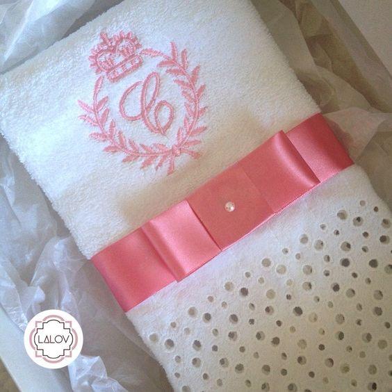 Presente nascimento - Lalov  #lalov #toalhaspersonalizadas #monograma #pink #babygift #personalizados #kitlavabo