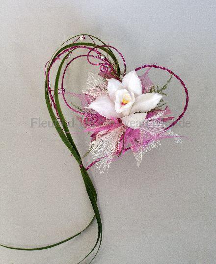 Porte alliances petit coeur mariage pinterest bouquets for Bouquet de fleurs coeur