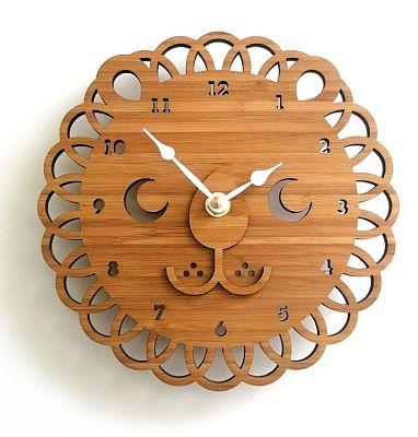 lion clock 19 cm
