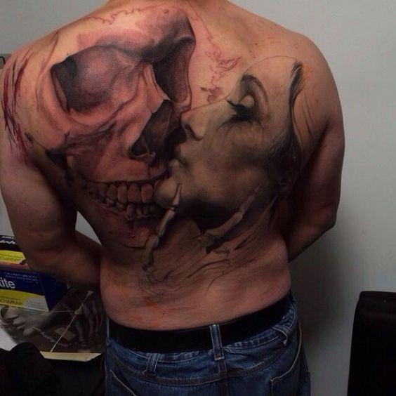 Totenkopf und Frau Tattoo Porträt
