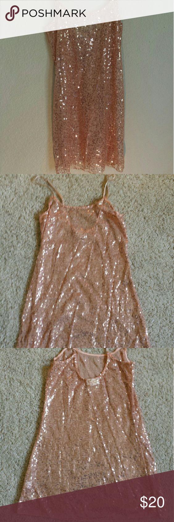 Belle Du Jour sequin top Belle De Tour sequin top, super cute great conditon. Size M. Belle Du Jour Tops Camisoles