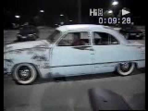 1951 ford Cruising around town