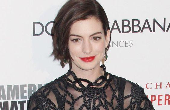 Anne Hathaway ist der Meinung, dass Frauen es in Hollywood viel schwerer haben als Männer. Vor allem in Sachen Aussehen werden Schauspielerinnen ...
