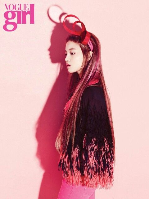 Absolutely love this picture of Lee Hi!  Super glam