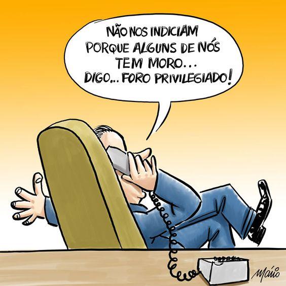 Que raio de justiça é esta?... Corrupto esconde-se atrás de um cargo político!?... Fora para sempre com todos os políticos corruptos, para que o Brasil possa desenvolver-se!...: