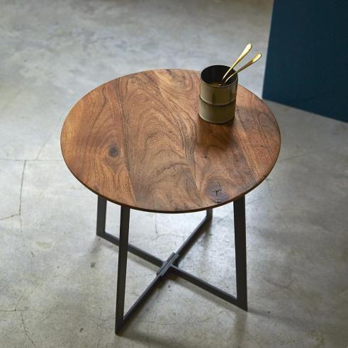 Nachttisch Aus Akazietemis Nachttisch Bucherregal Aus Metall Tisch
