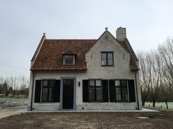 Rode boomse pannen met dakkapellen met oude tegelpannen gekaleide gevel recupan architect - Oude huis gevel ...