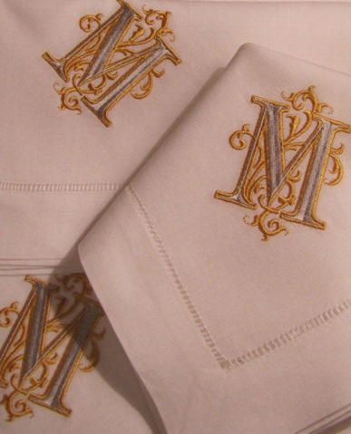 Signature Venezia monogram napkins. http://bellalino.com/Luxury%20Table%20Linens/venezia_signature_table.htm: