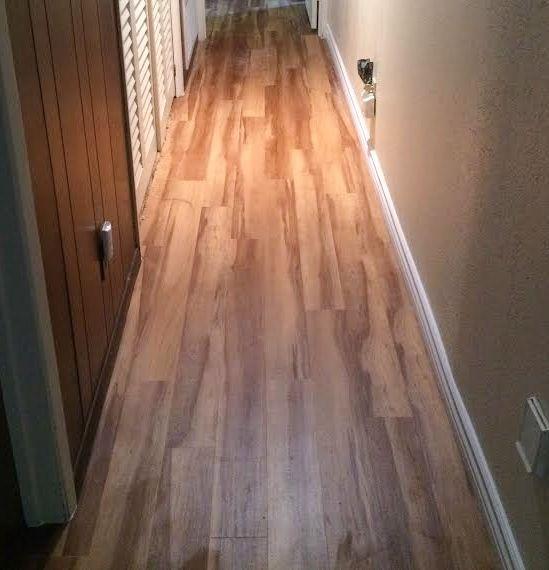 Smartcore Ultra 8 Piece 5 91 In X 48 03 In Blue Ridge Pine Luxury Vinyl Plank Flooring Lowes Com In 2020 Vinyl Plank Flooring Luxury Vinyl Plank Flooring Vinyl Plank Flooring Kitchen