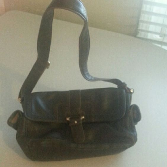 Liz Claiborne authentic Liz Claiborne leather Brown strap can be sized accordingly has been used but in great condition comes from a smoke free and clean home Liz Claiborne Bags Shoulder Bags