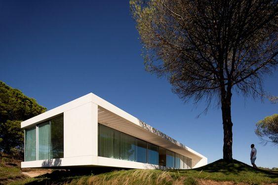 House in Melides, Alentejo, Portugal. Pedro Reis Architecture. (Photo: FG + SG - Fernando Guerra, Sérgio Guerra) #alentejo #visitalentejo #portugal #visitportugal #melides #architecture #pedroreisarchitecture