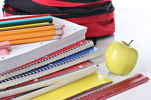 These tricks will help you shop for back to school supplies without breaking the bank. #backtoschool #tips #shopping #budget
