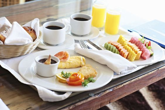 Start your day with a tasty fresh fruit plate and a delicious omelette with coffee from our Room Service. ‪#‎IAmHealthy‬  http://bit.ly/1hxo5Vh  Comienza tu día con un sabroso plato de fruta fresca, café y un delicioso omelette de nuestro Servicio de Habitación. ‪#‎YoSoySaludable‬  http://bit.ly/1hxofvB