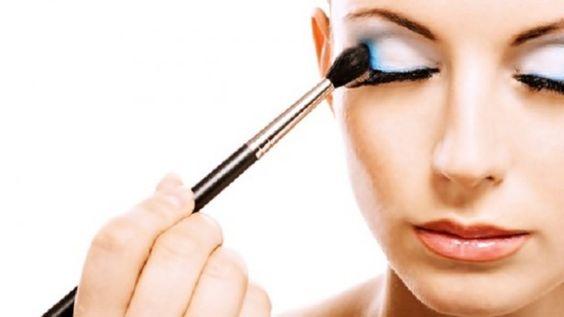 Truques para não borrar a maquiagem 2