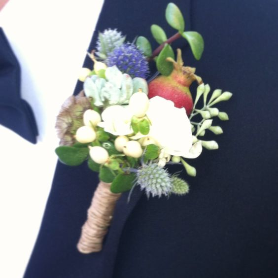textural boutonniere wrapped in twine
