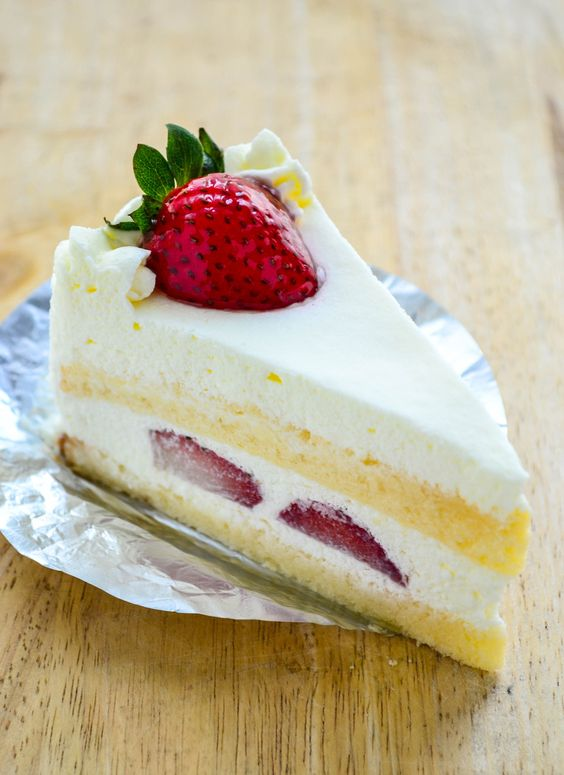 Cake New Year Recipe : Champagne cake, New years eve and Strawberry champagne on ...