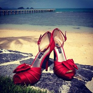 Red shoes. Ideal for #Chinese wedding