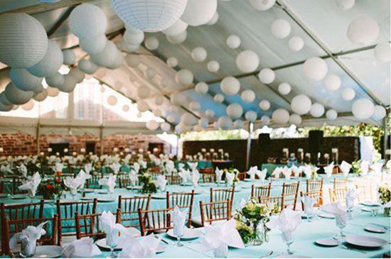 09 papierlaterne hochzeitstafel dekoration deko fuer hochzeit blau partyzelte Hochzeit Deko Idee –Papeterie als Dekoration und Einladungen