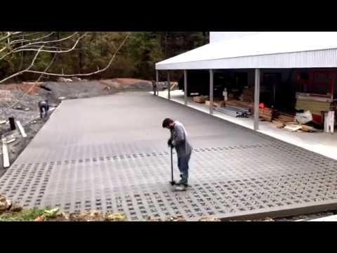 Grasscrete Good For Earth And Creative Minds Sps Grasscrete Paving Pervious Concrete Residences Backyard Area