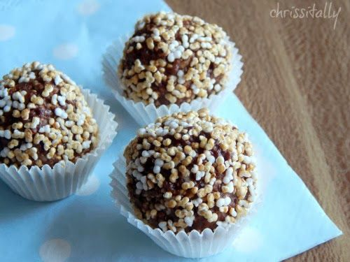 Chrissitally´s Cupcakefactory: Peanut-chocolate-crunch Truffles - perfect vegan silvester snack !! #1