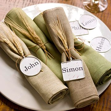 Thanksgiving Table Setting Place Cards. I am going to use sheaths of wheat and golden pears in my Thanksgiving Table decor this year.:
