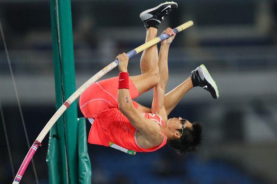 【DAY9】2大会ぶりのオリンピック出場となった男子棒高跳の澤野大地選手は、5m60を一発でクリアし決勝に進出しました。#がんばれニッポン #陸上 #Rio2016