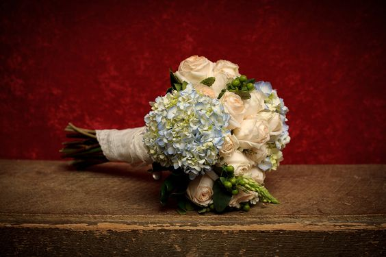 love this natural bouquet from a DIY Northern Virginia wedding