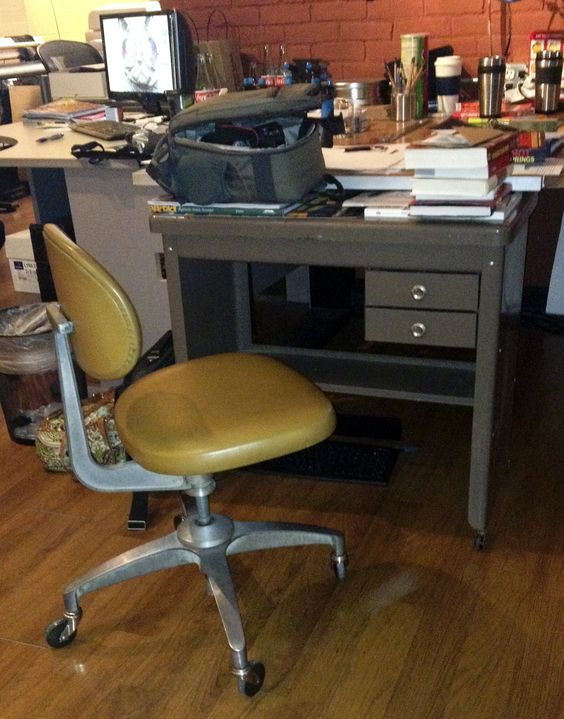 Metal Desks Vintage Metal And Office Chairs On Pinterest
