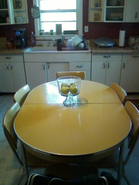 Growing up table and chairs and formica table on pinterest for Kitchen set yellow