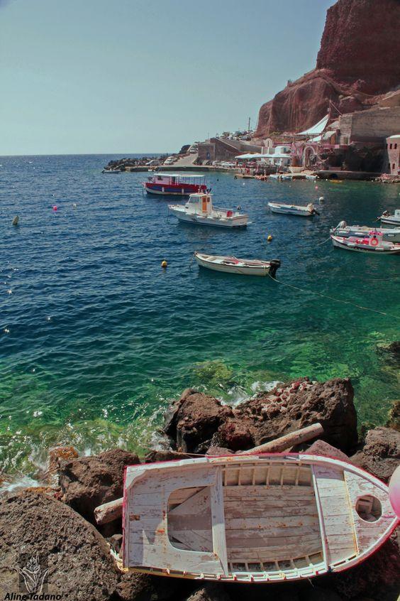 Ammoudi Port in Oia, Santorini