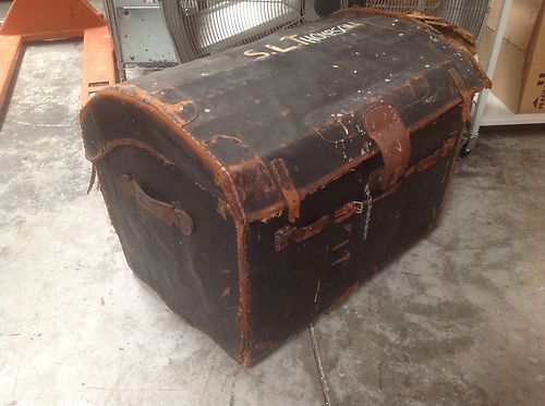 Auto Antique Wicker Trunks : Antique leather wicker doomed steamer trunk stagecoach