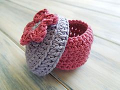 Ravelry: Small Gift Box pattern by HappyBerry