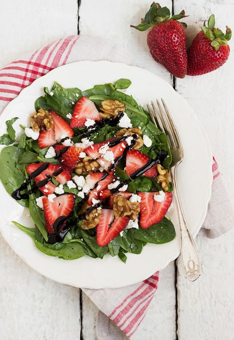 Spinach Strawberry Goat Cheese Walnut Salad