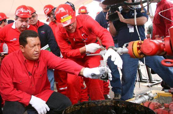 @vencedor_ribas : RT @PetroMinInforma: Todos debemos conocer sobre el petróleo sus implicaciones políticas económicas sociales geopolíticas. H. Chávez https://t.co/qoCFMoBcxl